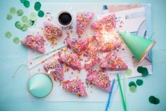 cakes-2600951_1920