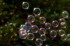 soap-bubbles-2417436_1920